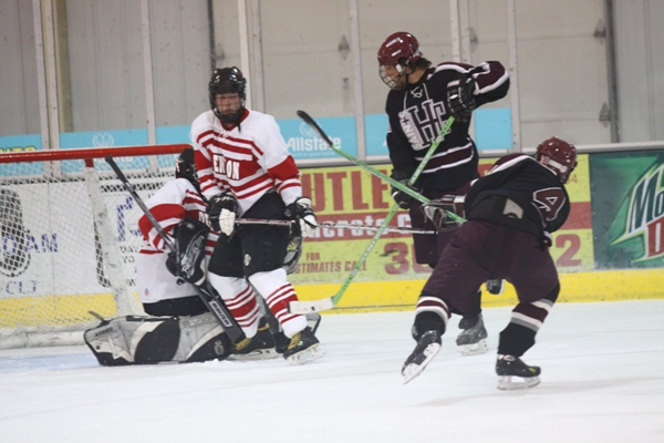 2nd Holy Cross vs. Denison (2) Photo