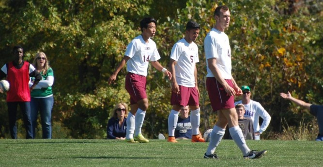 Holy Cross College Men's Soccer partners up with Coerver Coaching