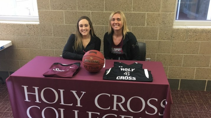 Photo for Women's Basketball Signs Former Puma Brooke Sterkowitz