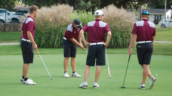 Photo for Men's Golf Excels in Crosstown Clash