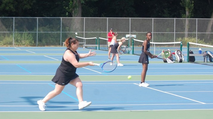 Photo for Women's Tennis Falls to Comets 5-4