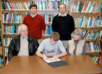 Shannon Signs with Holy Cross